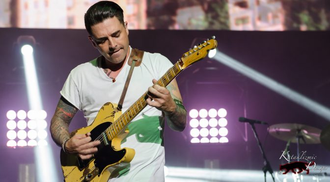 REVIEW: Hearts Burst for Dashboard Confessional at Marquee Theatre 2-8-17
