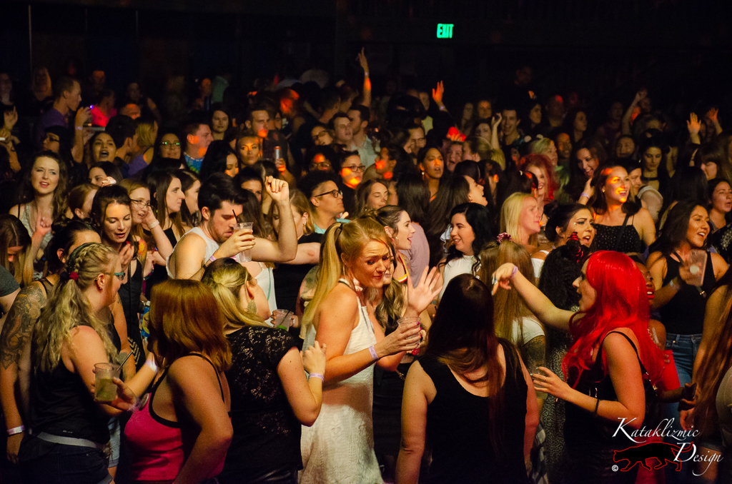 Packed dancefloor - Photo credit: Katherine Amy Vega